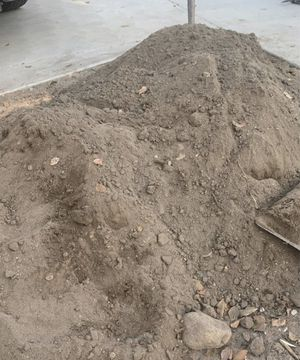 Free dirt and free delivery for Sale in Huntington Beach, CA