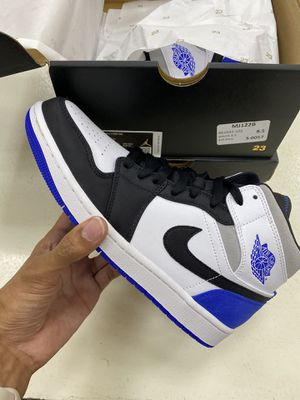 Jordan 1 Mid Royal Black Toe 8.5 for Sale in Peachtree Corners, GA