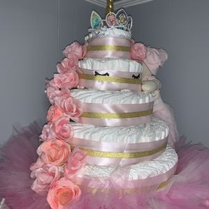 5 tier diaper cake for baby shower and gifts !! for Sale in Woodbury, NJ