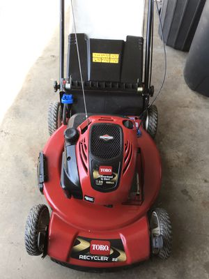 Toro personal pace lawn mower practically new excellent condition 7.25 hp engine for Sale in Waterford Township, MI