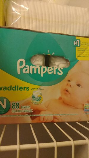 New born Pampers for Sale in Durham, NC