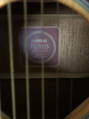 Yamaha fg700s acoustic for Sale in Spring, TX