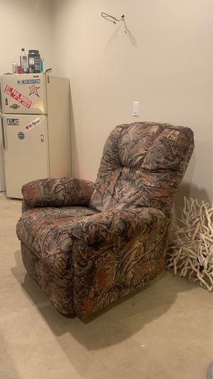 Camo Recliner for Sale in Oregon City, OR