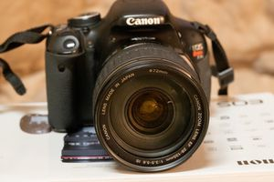 Canon T3i w 28-135mm and 10-22mm lenses for Sale in Ontario, CA