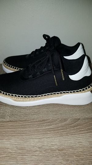 Michael Kors Sneakers for Sale in Paterson, NJ
