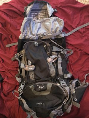High Sierra 55l hiking bag for Sale in Fort Campbell, KY