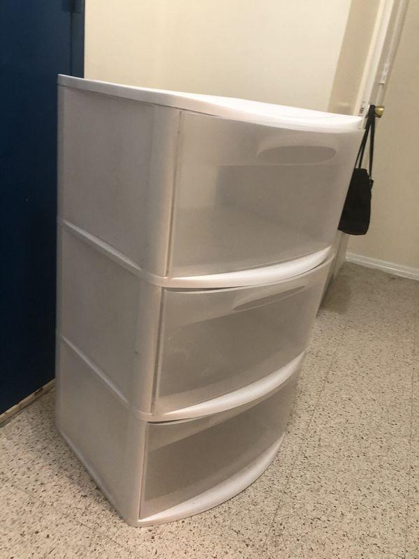 Must Go!! Plastic White Storage drawers !!