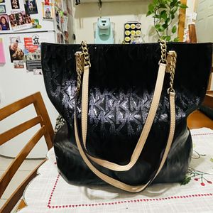Michael Kors Patent Leather Tote Bag (Authentic!) for Sale in Everett, MA