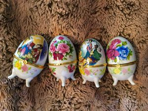 Porcelain jewelry beauty blender containers Asian style for Sale in Vancouver, WA