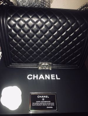 100% Authentic Large Boy Chanel Quilted Lambskin for Sale in Baltimore, MD