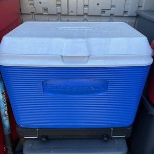 Rubbermaid Cooler for Sale in San Bernardino, CA