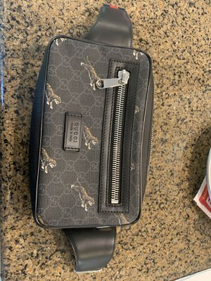 Almost brand new authentic Gucci belt bag for Sale in Seattle, WA