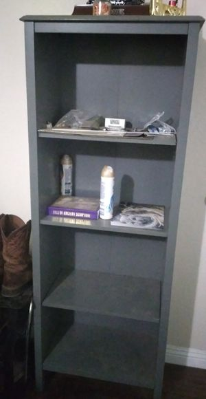 2 book shelves for Sale in Visalia, CA