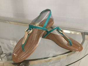 New Gold Green flat Sandals. Size 8 new in box for Sale in Miami, FL