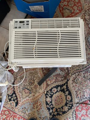 GE window AC Unit 6000btu for Sale in Waldorf, MD