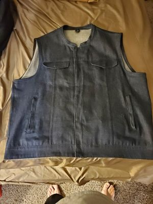First mfg Kershaw mens blue denim vest with concealed cary pockets. Dyna, fxr, sportster, road glide, and out law! for Sale in Santa Susana, CA