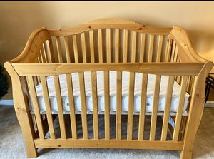 3 in 1 baby crib and baby changing table dresser for Sale in Gainesville, VA