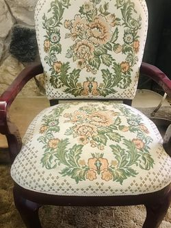 Beautiful Accent Chair *please Read The Description for Sale in Westminster,  CA