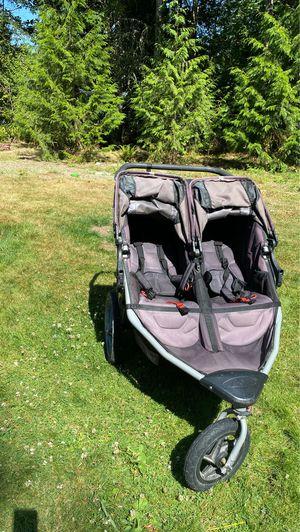 Bob double stroller. LOOK @ ALL PICS for Sale in Auburn, WA