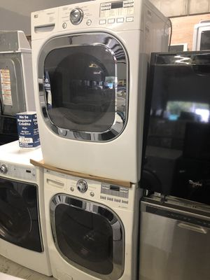 """LG WASHER AND DRYER SET """"""""GAS"""""""" for Sale in Kissimmee, FL"""