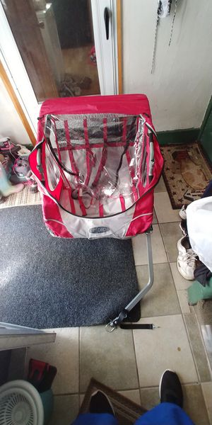 Instep 2 seater bike trailer for Sale in Worcester, MA