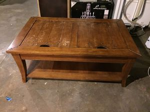 Coffee Table oak....needs cosmetic tlc...SOLID! for Sale in St. Louis, MO