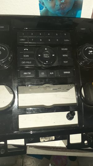 Ford escape stereo system original for Sale in Phoenix, AZ