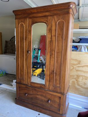 Antique Beveled Mirror Armoire for Sale in Murfreesboro, TN