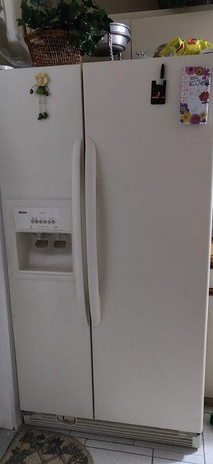 Kenmore refrigerator $30 OBO for Sale in Gulfport, FL