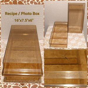 PLASTIC RECIPE / PHOTO BOX (READ) for Sale in Ontario, CA