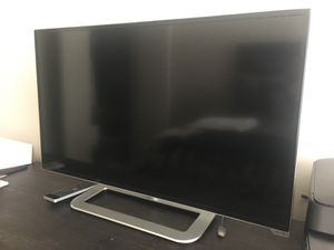 "Vizio 39"" Tesla TV like new for Sale in Austin, TX"