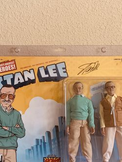 OFFICIAL WORLD'S GREATEST HEROES STAN LEE ACTION FIGURE 2-pack COA SIGNED 90/100 for Sale in Waco,  TX