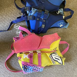 Children/youth life vest for Sale in Castro Valley, CA