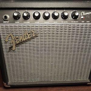 Fender Champion 20 Guitar Amplifier for Sale in Miami, FL