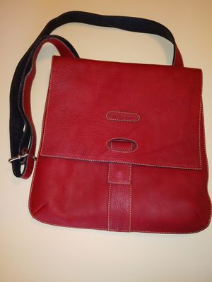 D'Luciano Hand Made Leather Cross-Over Purse for Sale in Las Vegas, NV