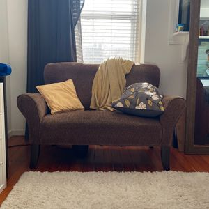 Love Seat Mini Sofa for Sale in St. Louis, MO