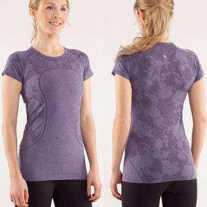 Lululemon swiftly tech ss tee size 4 for Sale in Dallas, TX