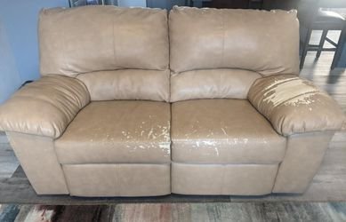 Couch and love seat for Sale in Belleville,  IL