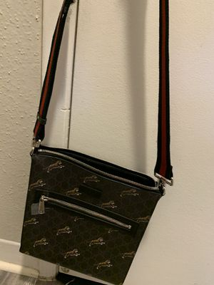 Gucci bestiary Tigers messanger bag retail $980 for Sale in Houston, TX