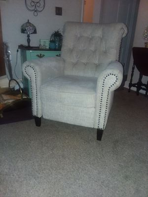Recliner in Excellent Condition for Sale in Berlin, CT