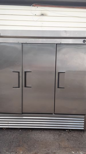 True and beverage air refrigerators for Sale in Yalesville, CT