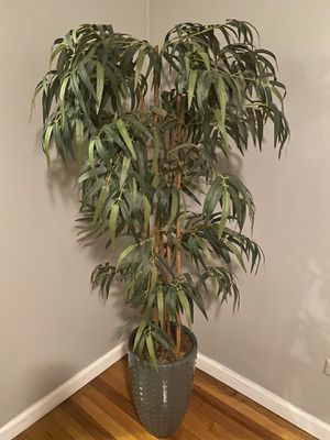 FOR SALE BEAUTIFUL LIKE NEW FAKE TREE PLANT 😍 for Sale in Queens, NY