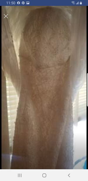 Ivory lace wedding dress for Sale in Hebron, KY
