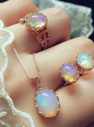 Brand new womens 14KT Gold Filled genuine Irridescent Moonstone 4 PC JEWELRY SET Matching Necklace, Ring & Earrings for Sale in New Port Richey, FL