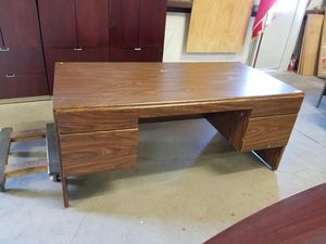 36 x 72 executive office desk $150 (good condition) for Sale in Houston, TX