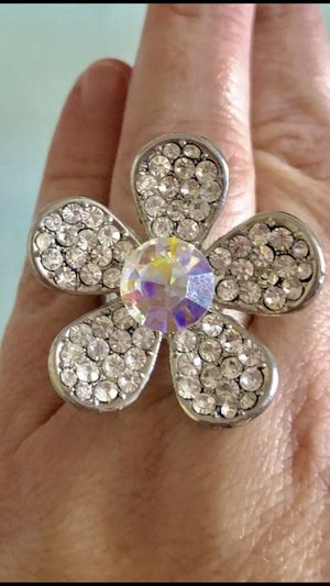 Size 9. Flower ring. Cocktail size. Jewelry for Sale in Fort Myers, FL