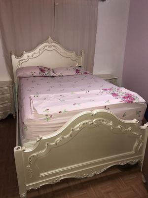 Bedroom set for Sale in Dinuba, CA