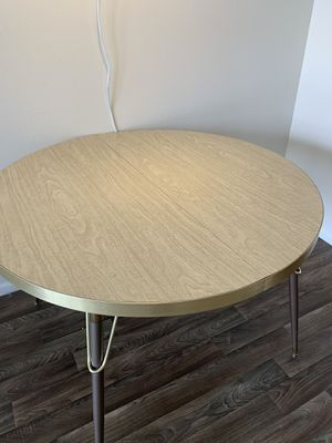Mid century vintage Formica dinning table for Sale in Phoenix, AZ