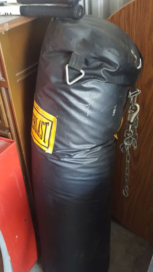 LONG punching bag for Sale in Kissimmee, FL