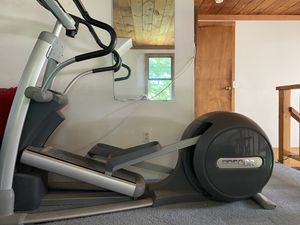 PreCor USA Elliptical 546i for Sale in NEW MARLBORO, MA